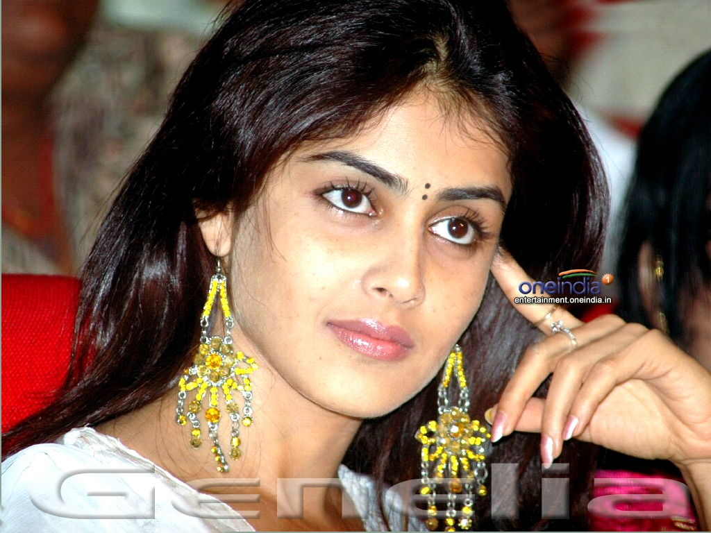 Genelia D Souza Wallpapers 30 Hd Pics: Genelia D'Souza HQ Wallpapers