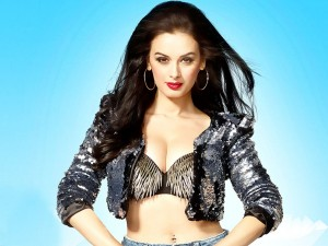 Evelyn Sharma
