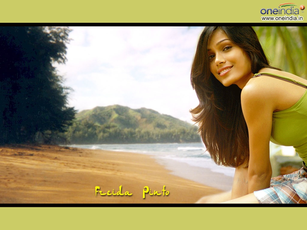 Freida Pinto Wallpaper -668
