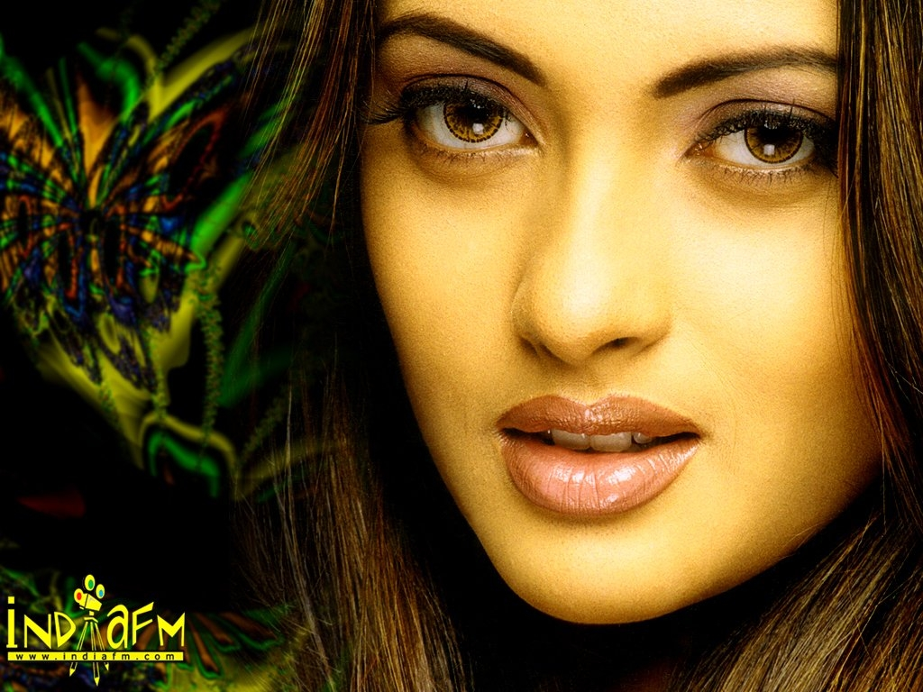 Riya Sen Wallpaper -3865