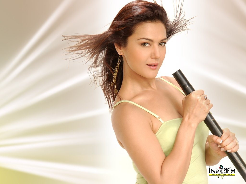 Preity Zinta Wallpaper -5735