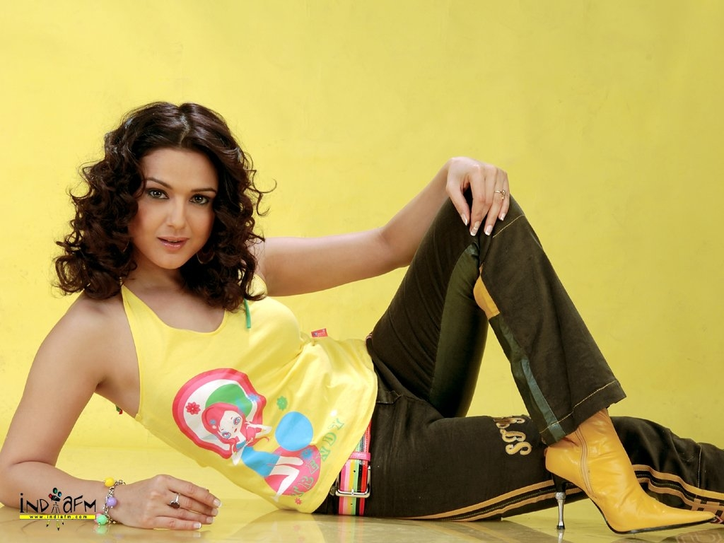 Preity Zinta Wallpaper -5741