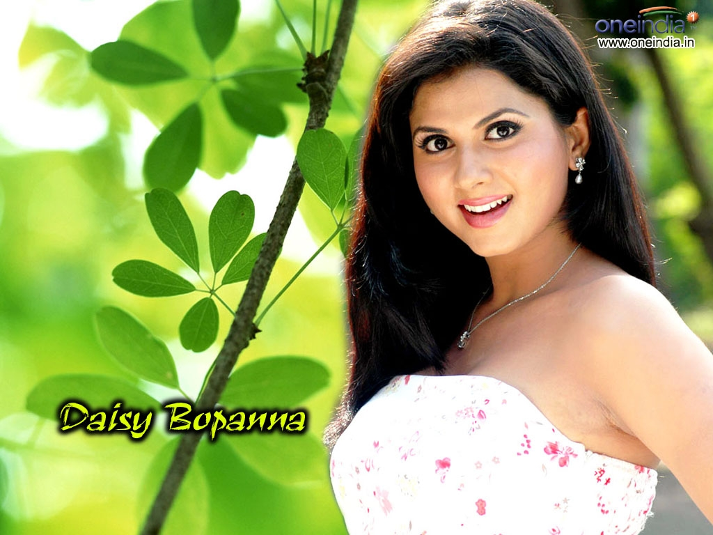 Daisy Bopanna Wallpaper -8237