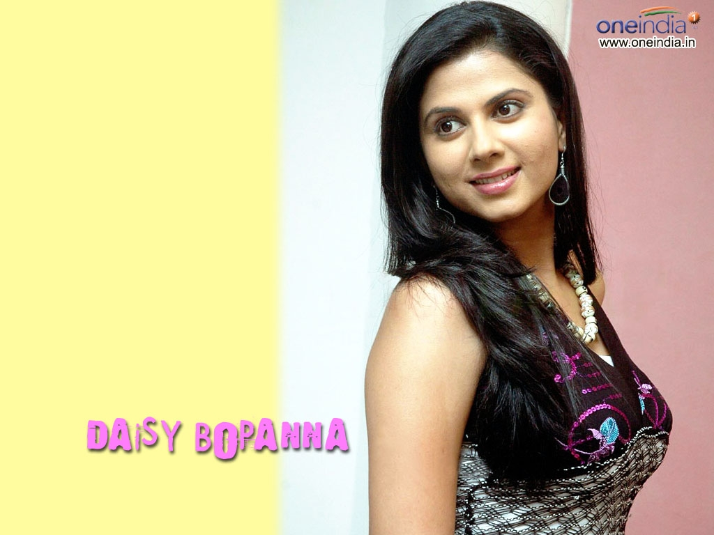 Daisy Bopanna Wallpaper -8240