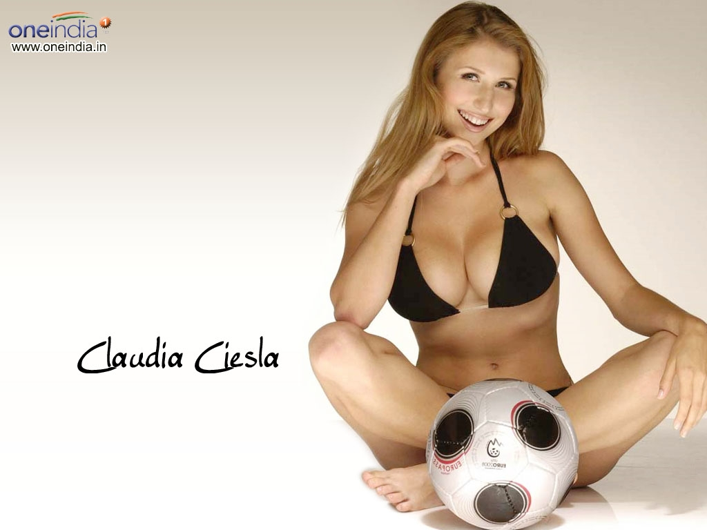 Claudia Ciesla Wallpaper -8338