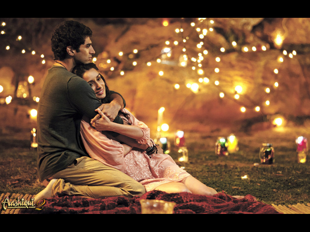 Love couple cover Wallpaper : Aashiqui 2 HQ Movie Wallpapers Aashiqui 2 HD Movie Wallpapers - 9817 - Filmibeat Wallpapers