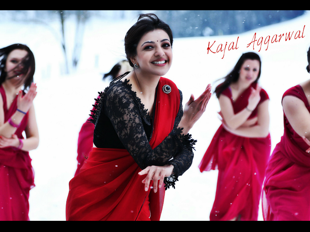 Kajal Aggarwal Wallpaper -9717
