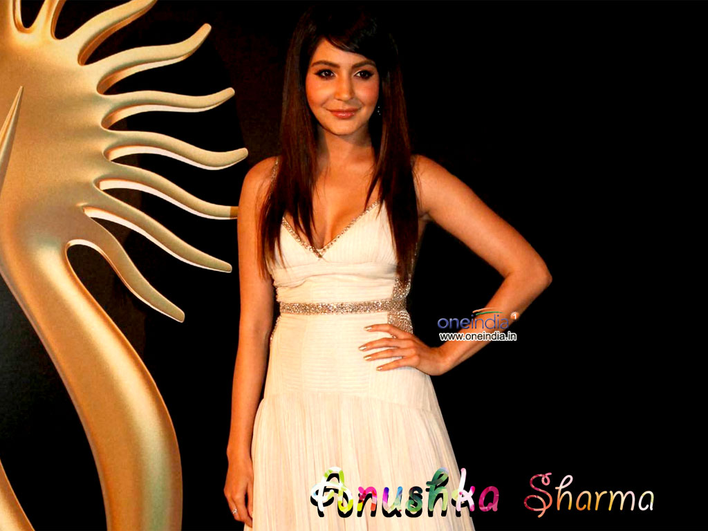 Anushka Sharma Wallpaper -10523