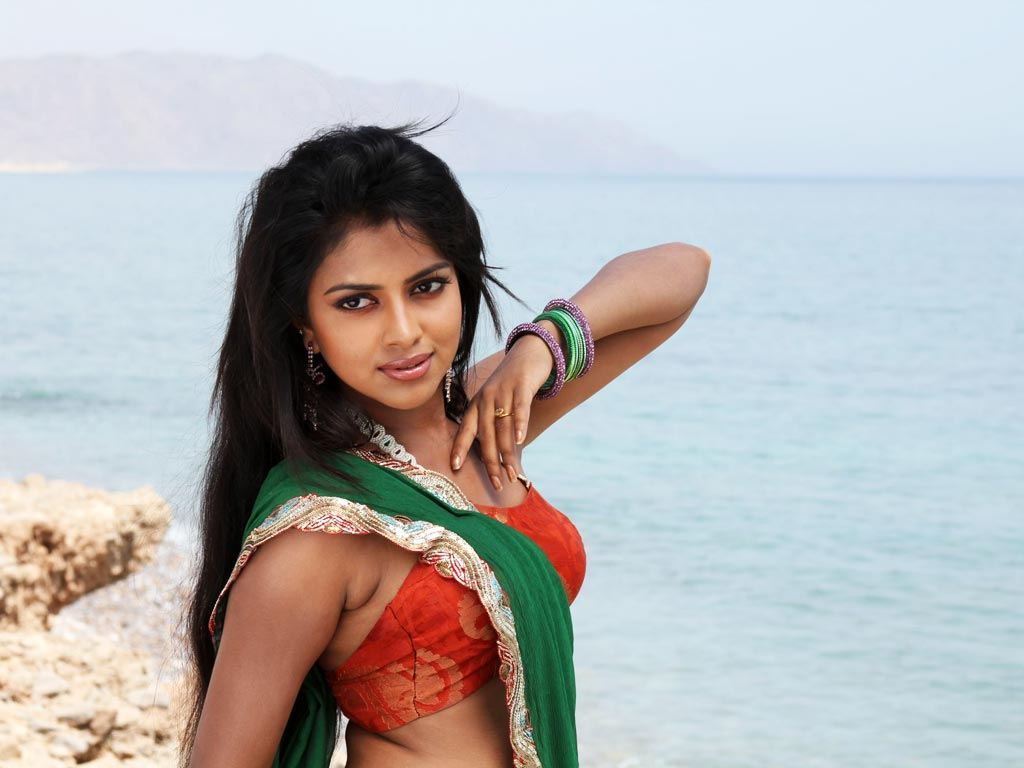 Amala Paul Wallpaper -10802