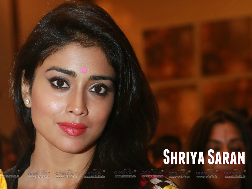 shriya saran hq wallpapers | shriya saran wallpapers - 11322