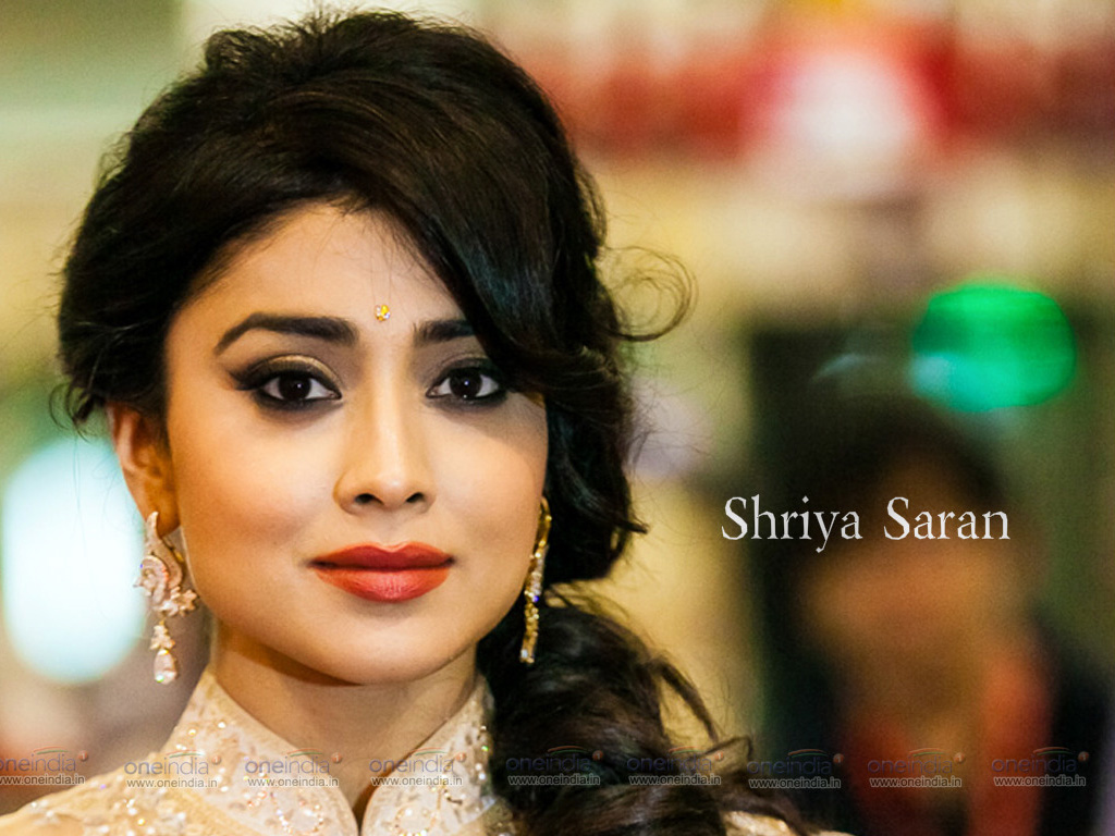 shriya saran hq wallpapers | shriya saran wallpapers - 11323