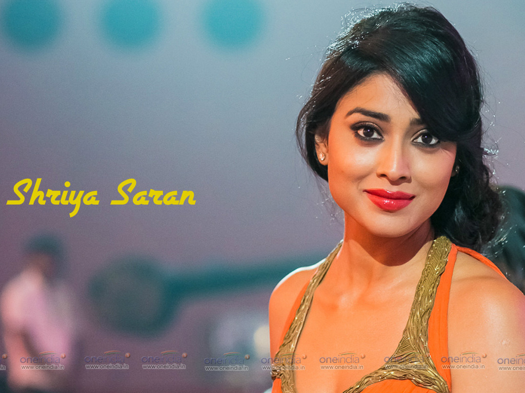 Shriya Saran Wallpaper -11328