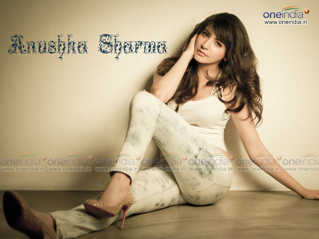 Anushka Sharma Wallpaper -11662