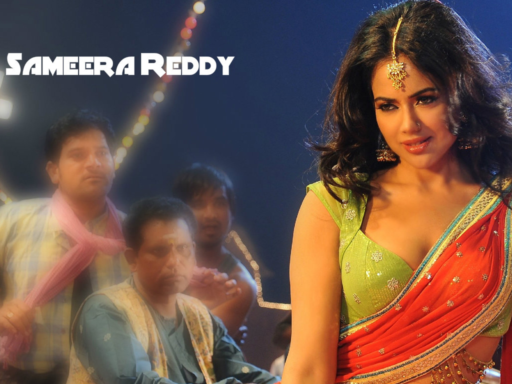 sameera reddy height
