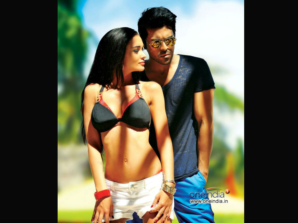 Yevadu movie Wallpaper -13079