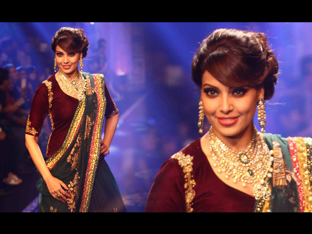 Bipasha Basu Wallpaper -16114