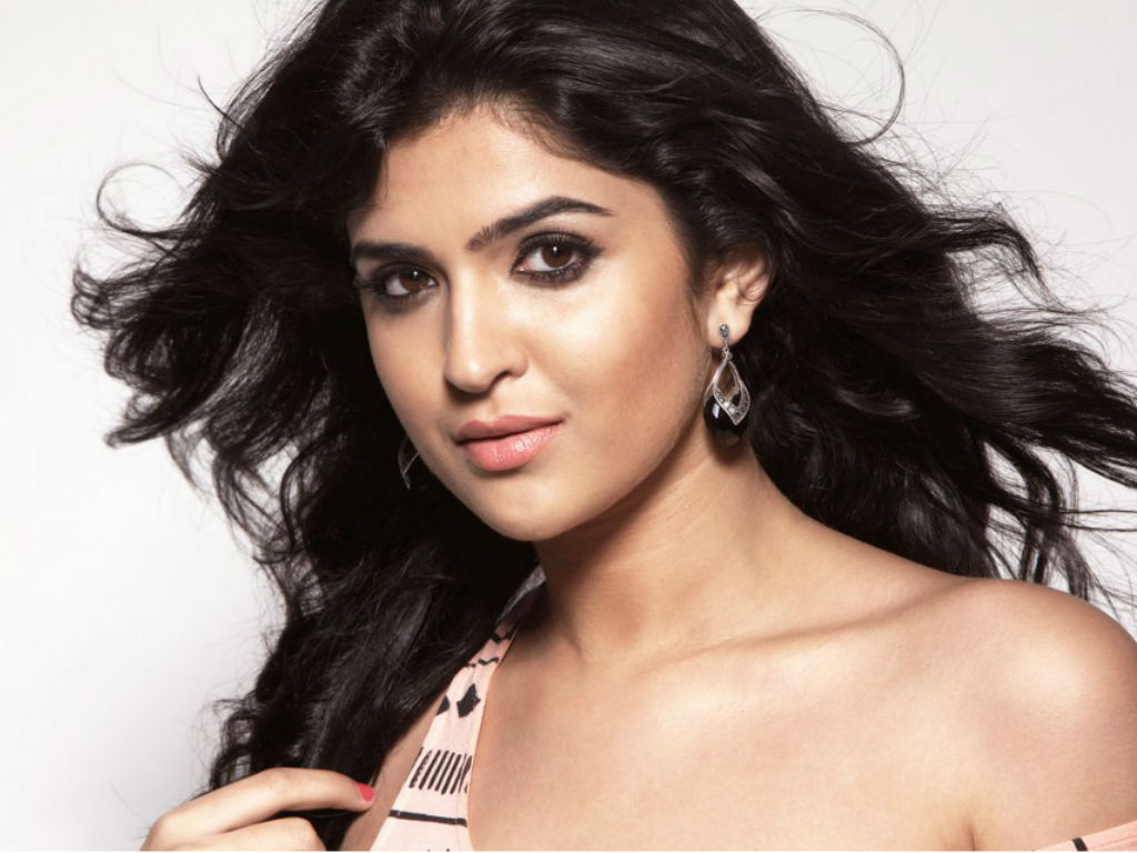 Deeksha Seth Wallpaper -16175