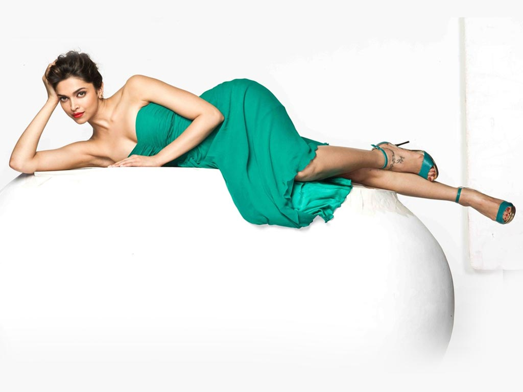 Deepika Padukone Wallpaper -16182