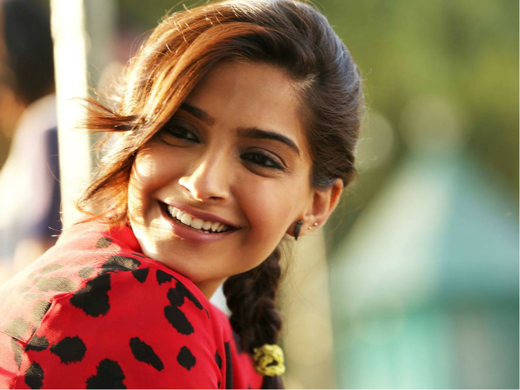 sonam kapoor hq wallpapers | sonam kapoor wallpapers - 17092