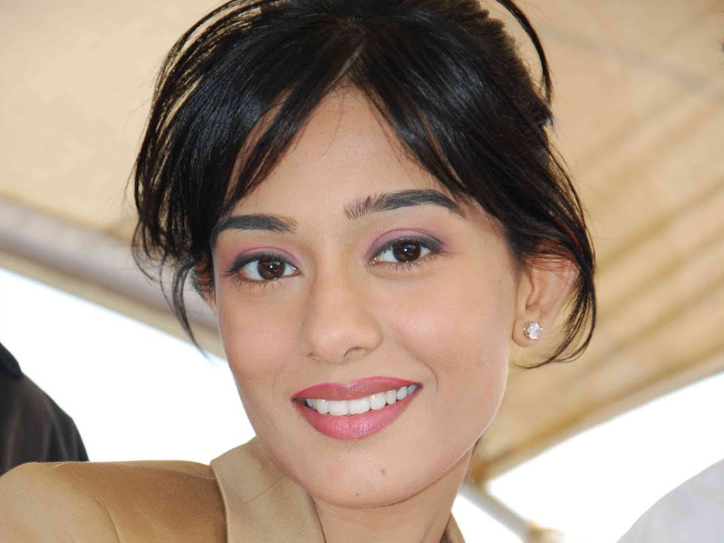 amrita rao hq wallpapers | amrita rao wallpapers - 17698 - filmibeat