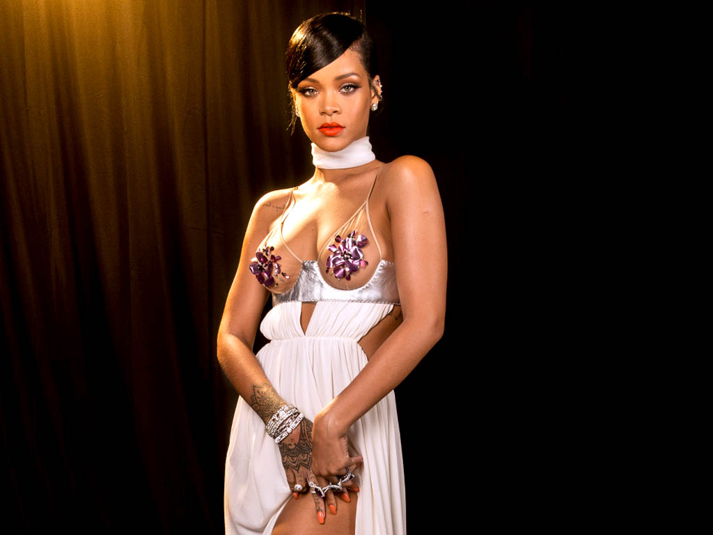 Rihanna HQ Wallpapers Rihanna Wallpapers 18994 Filmibeat