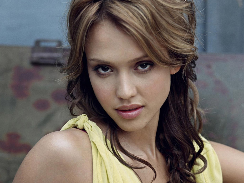 Jessica Alba And The Sea Tablet wallpaper and background Celebrity