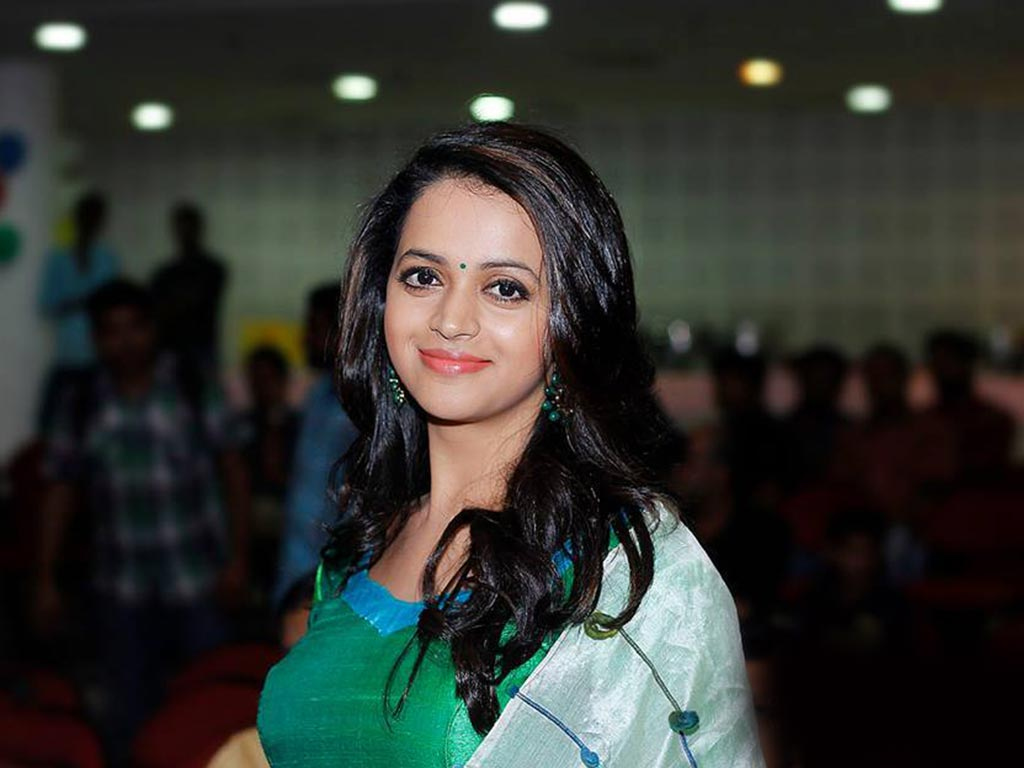 Tamil Actress Bhavana Photos: Bhavana Wallpapers - 20014