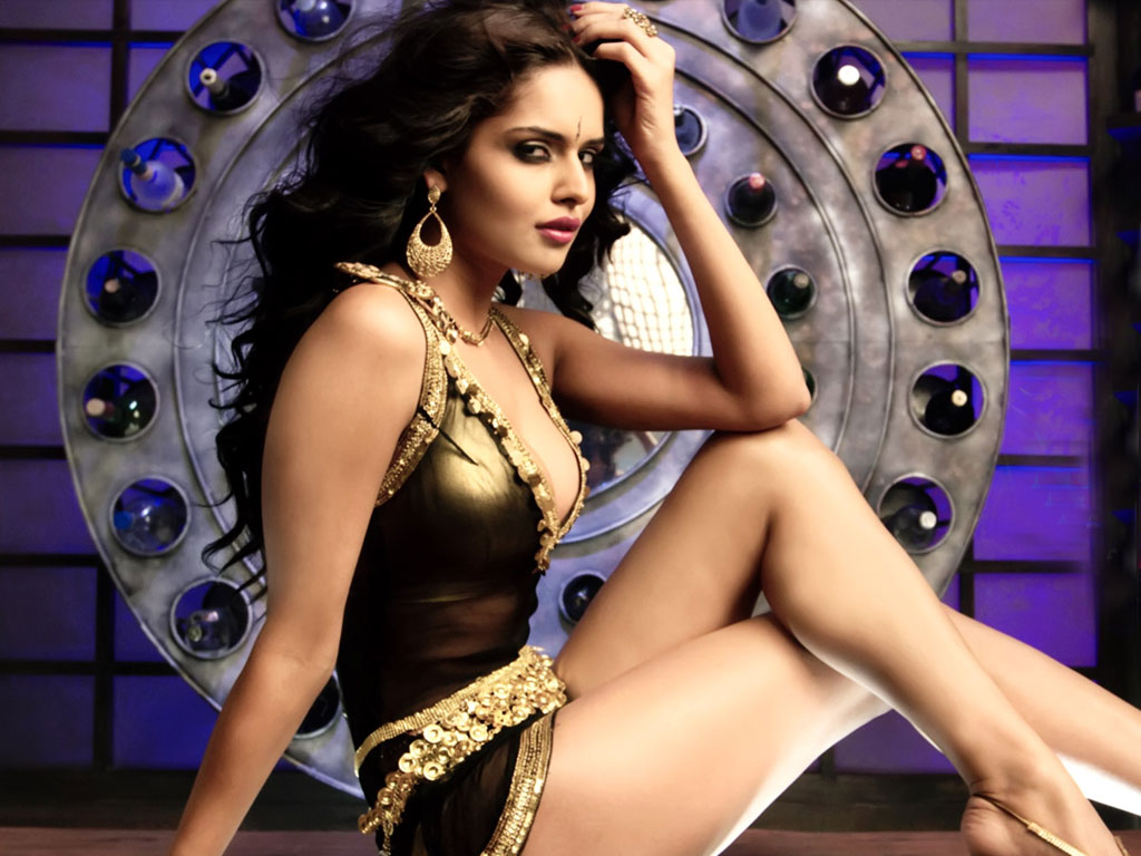 Watch Nathalia Kaur video