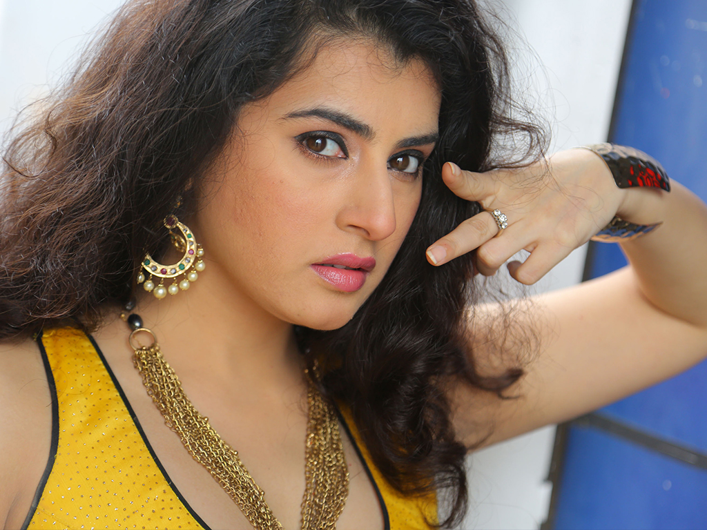 Archana veda sastry hq wallpapers archana veda sastry wallpapers 27150 filmibeat wallpapers - Archana wallpaper ...