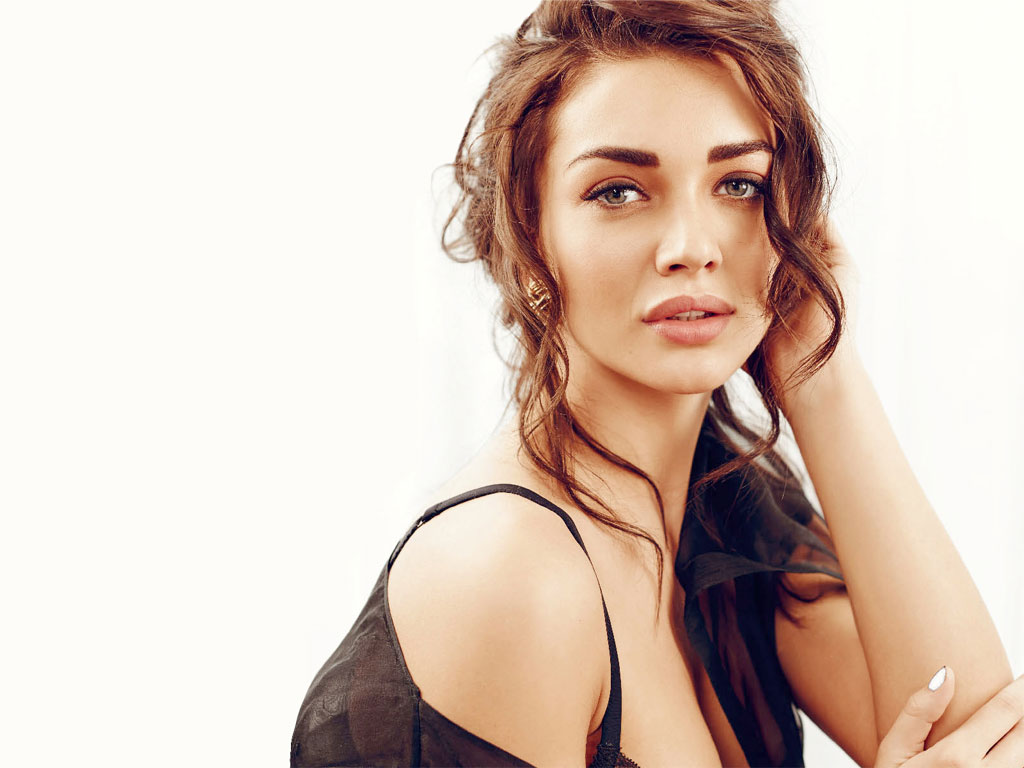 Amy Jackson HQ Wallpapers | Amy Jackson Wallpapers - 27940 - Filmibeat ...