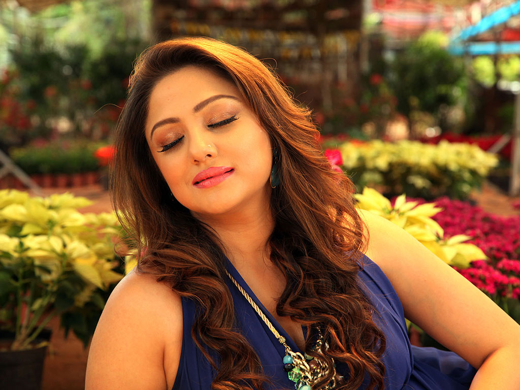 priyanka upendra hq wallpapers | priyanka upendra wallpapers - 28259