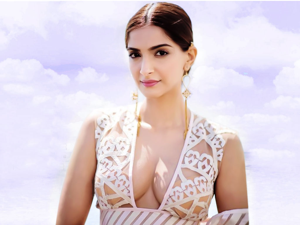 Sonam Kapoor Hq Wallpapers Sonam Kapoor Wallpapers