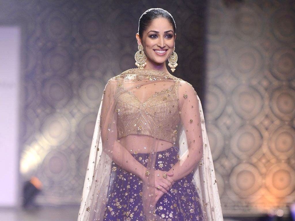 yami gautam hq wallpapers yami gautam wallpapers   36570   filmibeat