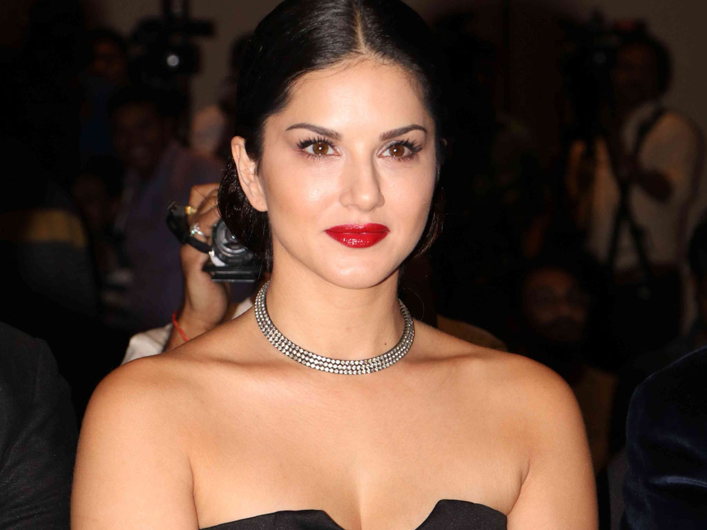 Sunny Leone Wallpapers HD / Desktop and Mobile Backgrounds