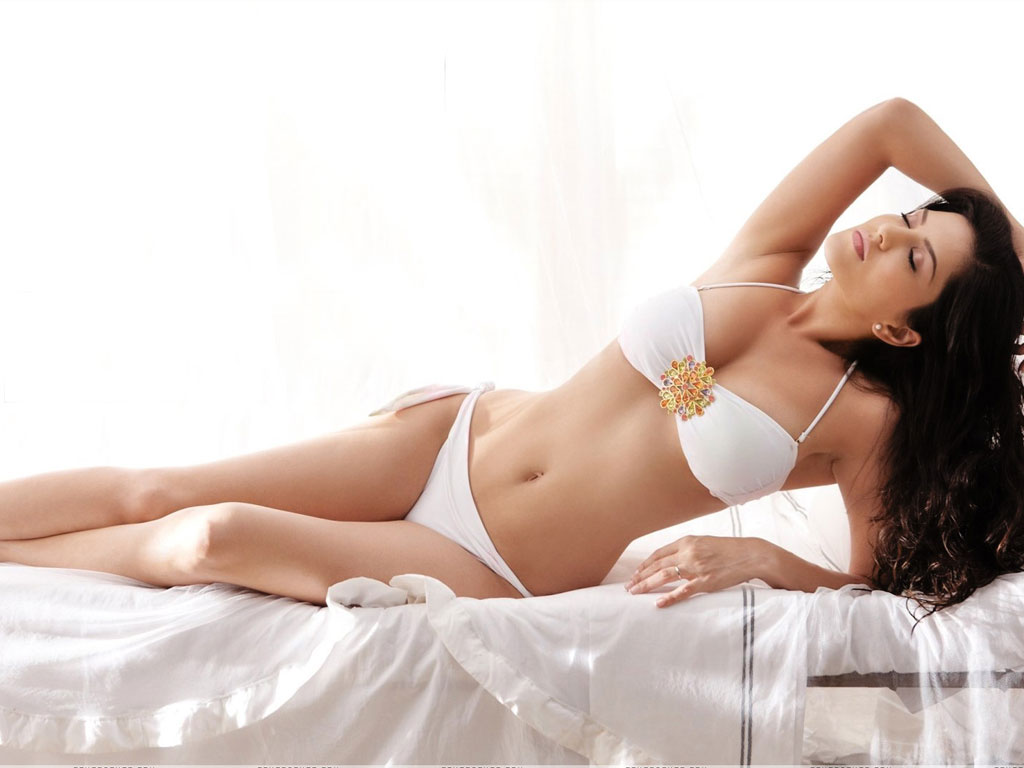 Sunny Leone HQ Wallpapers | Sunny Leone Wallpapers - 36135 - Filmibeat ...