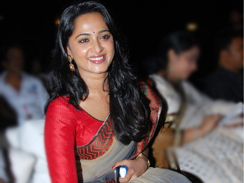 anushka shetty hq wallpapers anushka shetty wallpapers