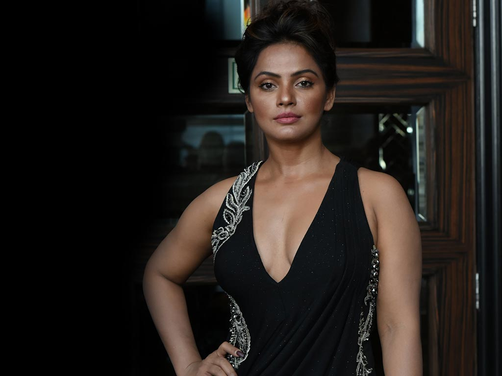 Neetu Chandra Nude Photos 81