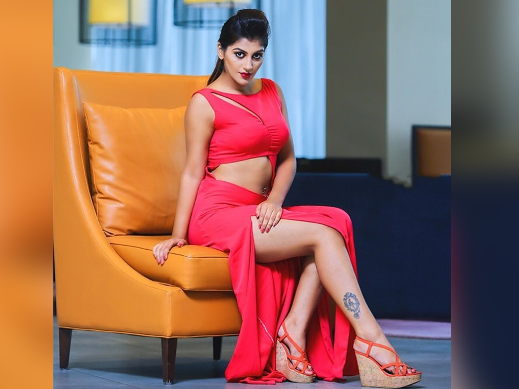 Yashika Aannand (Big Boss 2 Contestant)