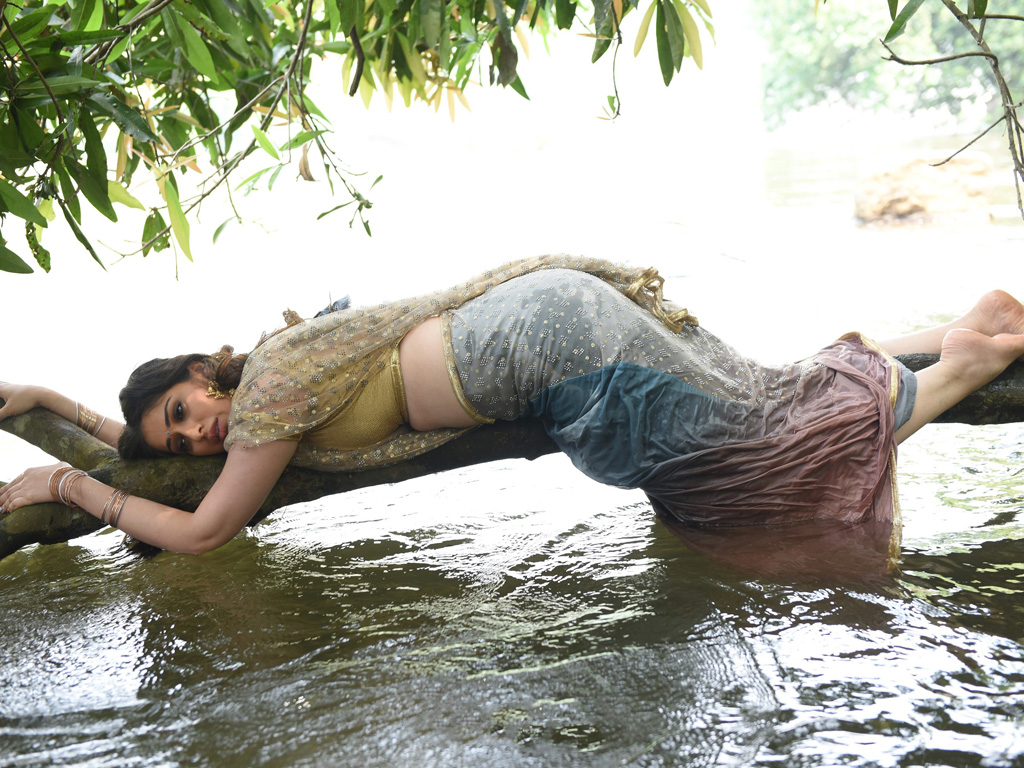 indian outsaid sexygerls photos