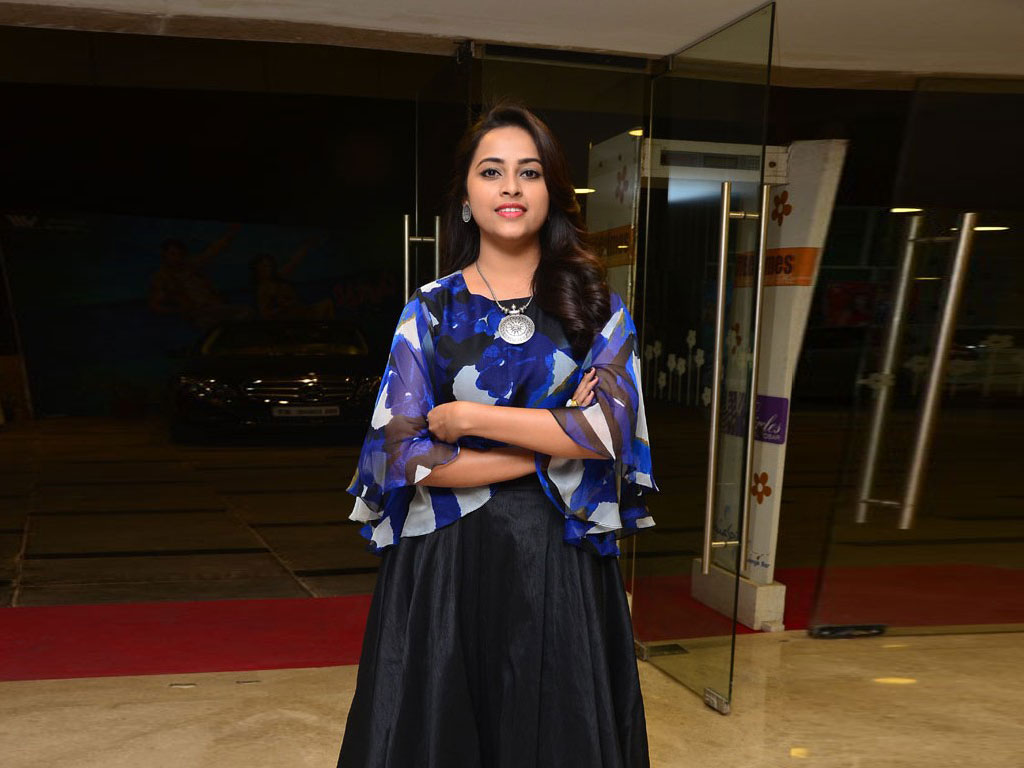 Sri Divya Wallpapers