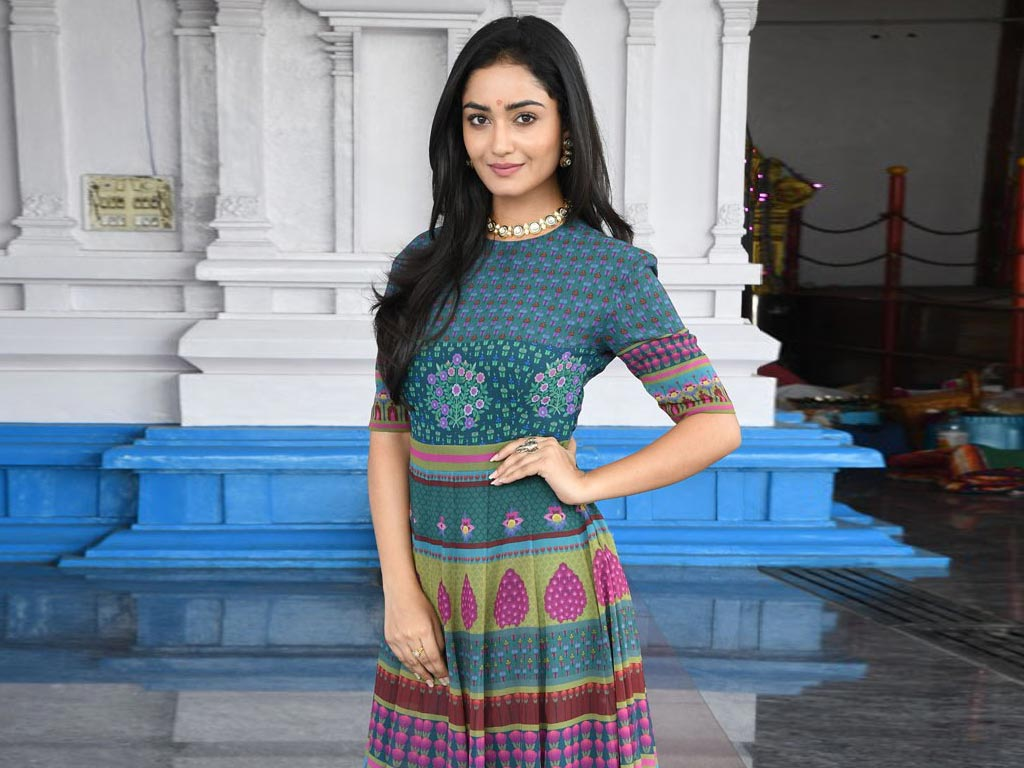 Tridha Choudhury Wallpapers