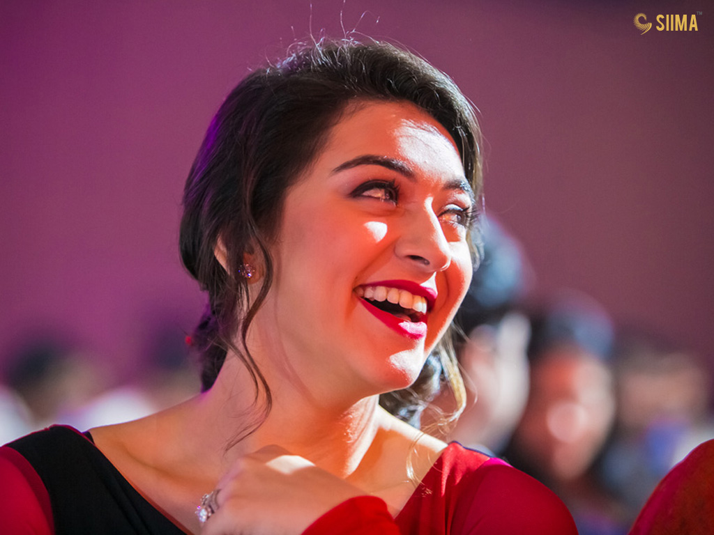 Hansika Motwani in SIIMA Awards 2013