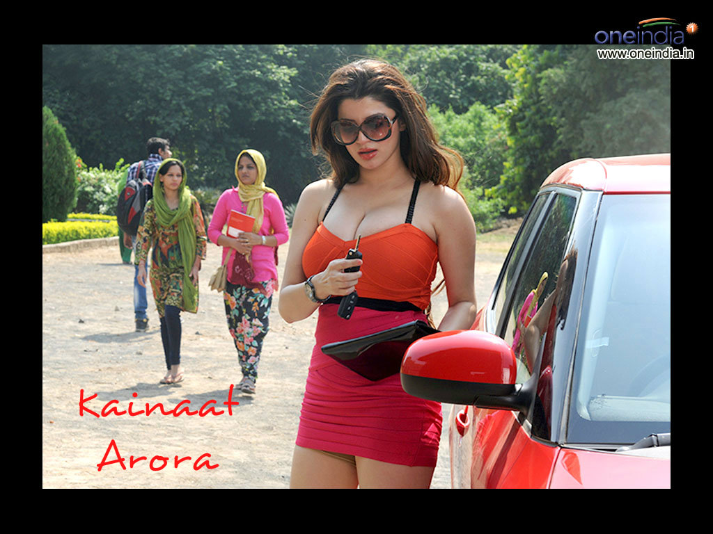Kainaat Arora Wallpaper